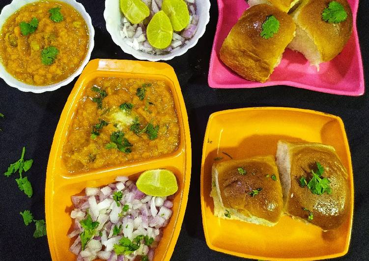 Recipe: Flavorful Pav Bhaji