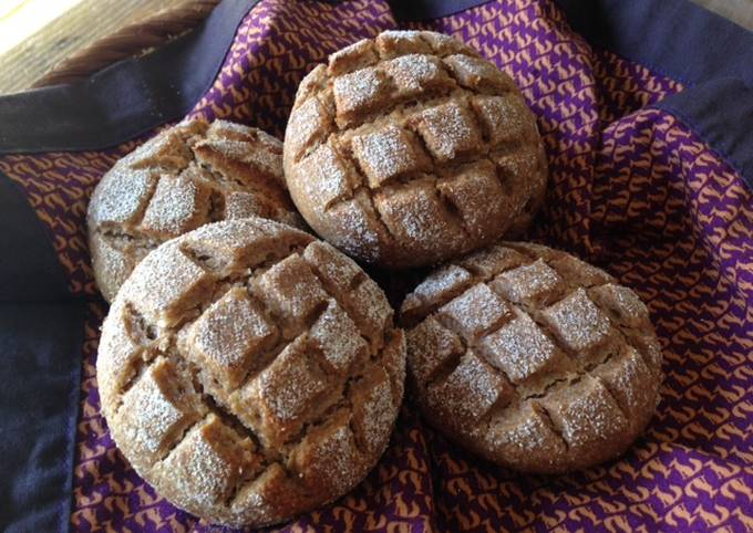 Easiest Way to Make Delicious German-style Sourdough Rye Bread Rolls (Roggenmischbrötchen)
