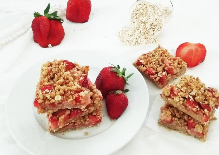 Healthy Strawberry Oats Bars