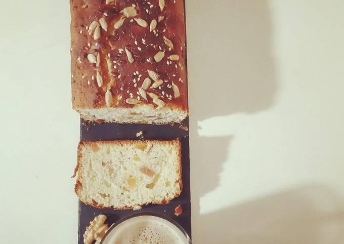 Cake brioché aux fruits secs et aux coings ☕