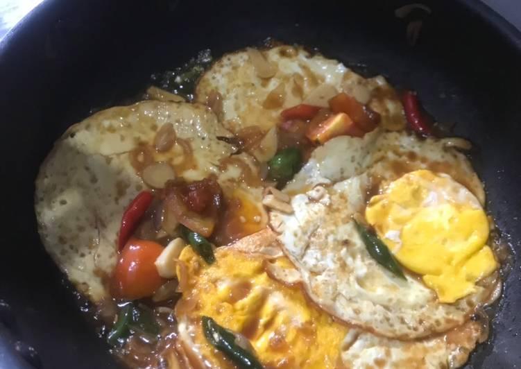 Telur kecap pedas