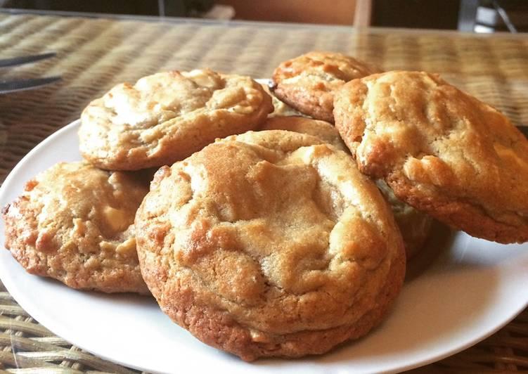 Step-by-Step Guide to Make Speedy White Chocolate, Cardamom & Amaretto Cookies