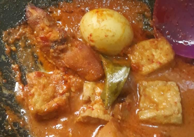 Ayam telur bumbu bali
