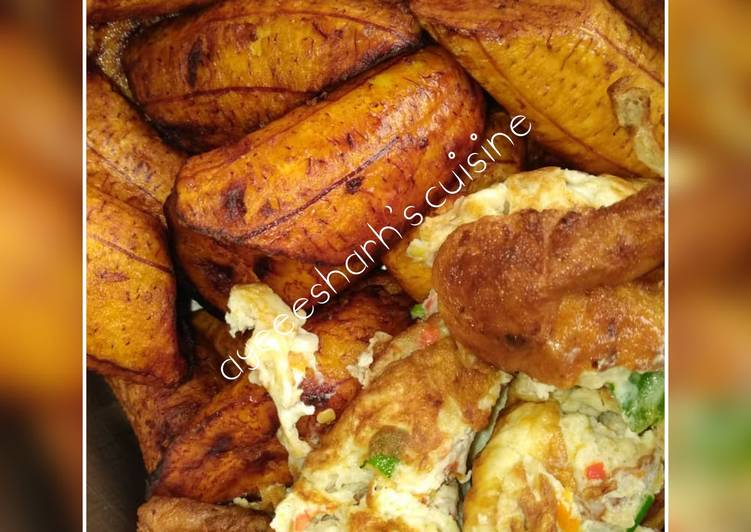 Simple Fried plantain and fried egg🍌🥚