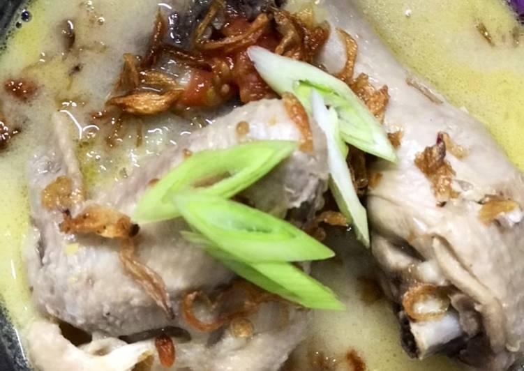 Opor ayam dengan cream sup jamur