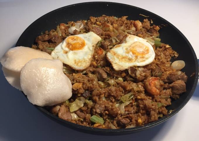 Fried rice (Indonesian style)