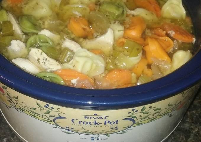 Crock-Pot Chicken Tortellini Soup