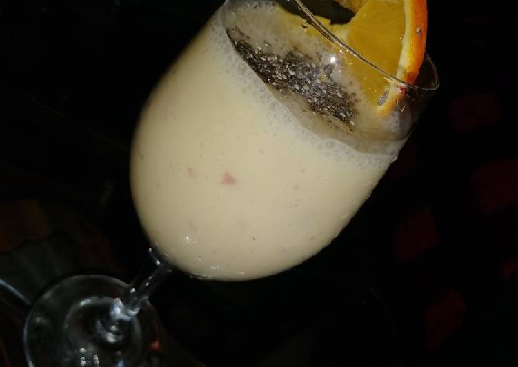 Simple Way to Prepare Award-winning Pineapple & banana smoothie