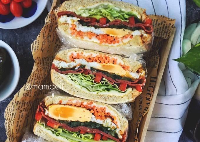 Wanpaku Sandwich mamaell :beef salami & egg