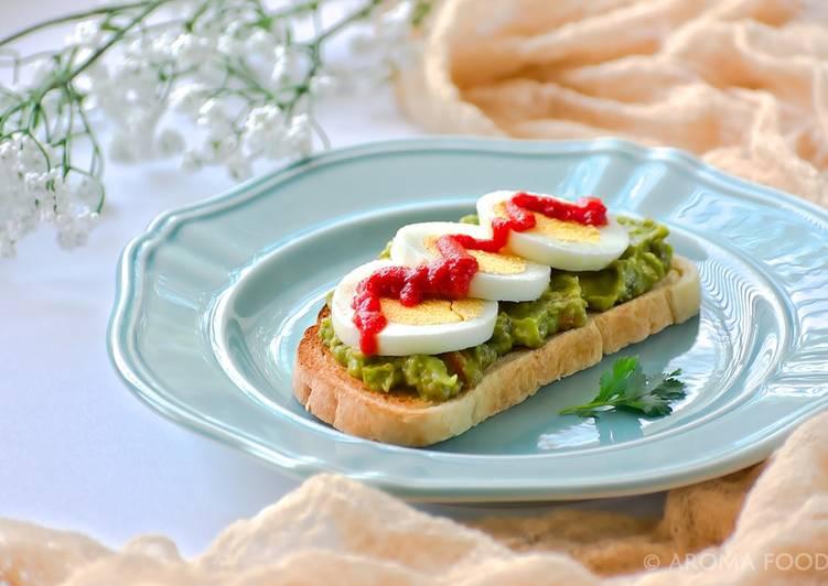Avocado open faced sandwich