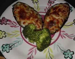 Berenjenas rellenas con brócoli al vapor. Receta vegetariana