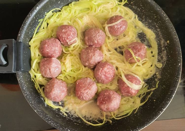 Spaghetti courgette boulette de viande 7