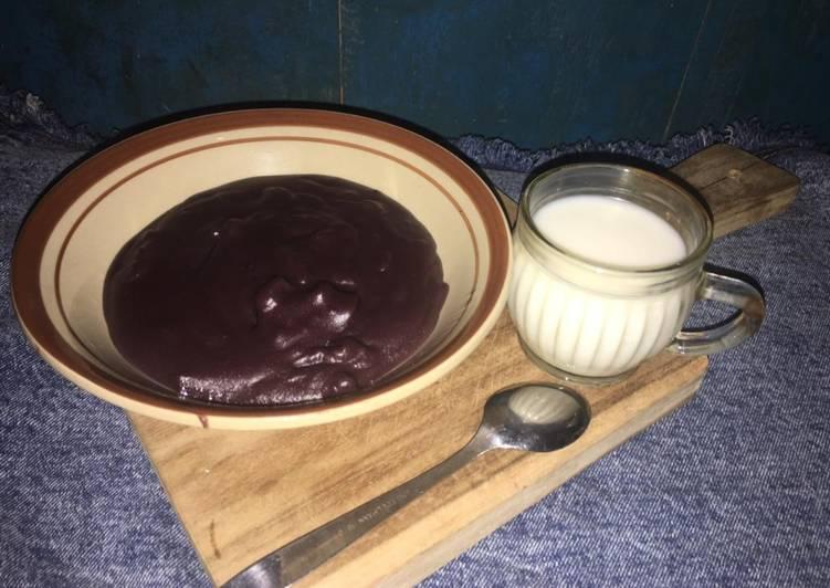 Bubur Sum-Sum (tepung beras hitam)