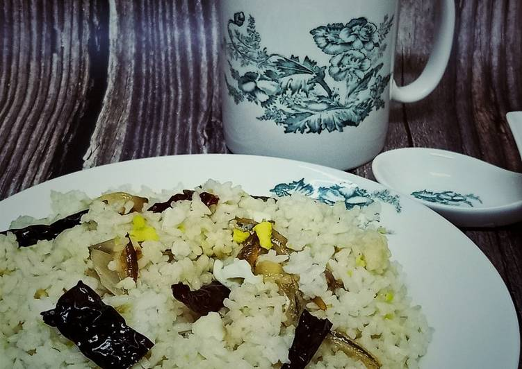 Nasi Goreng Telur Rebus