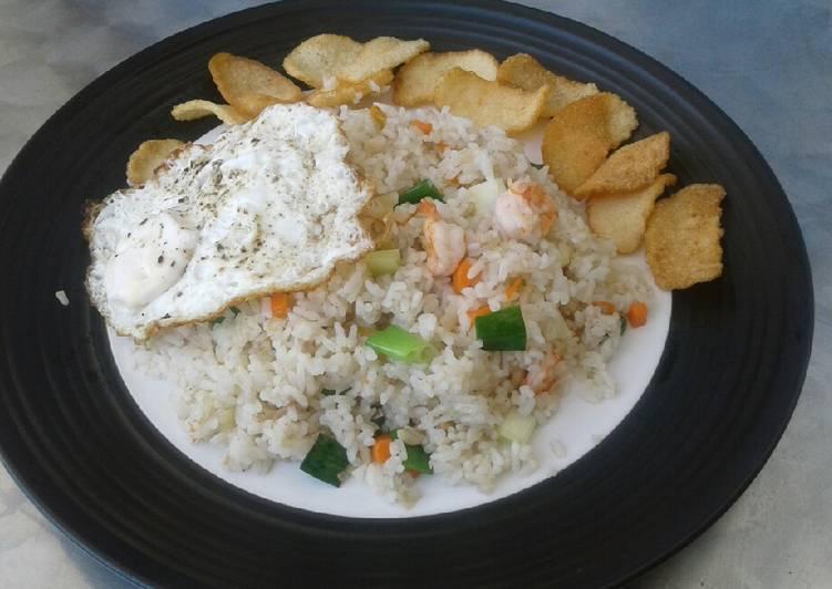 Nasi goreng seafood sambal matah