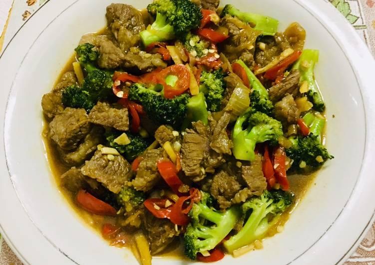 Brokoli & Daging sapi Saus Tiram