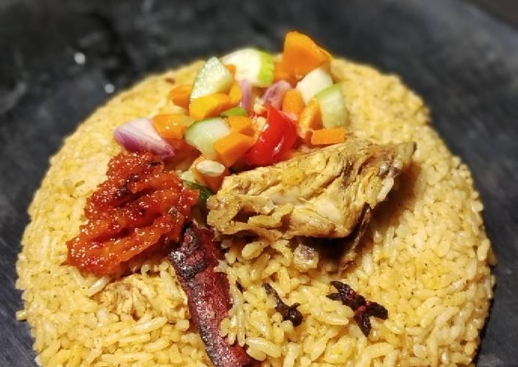 Nasi kebuli ayam magicom