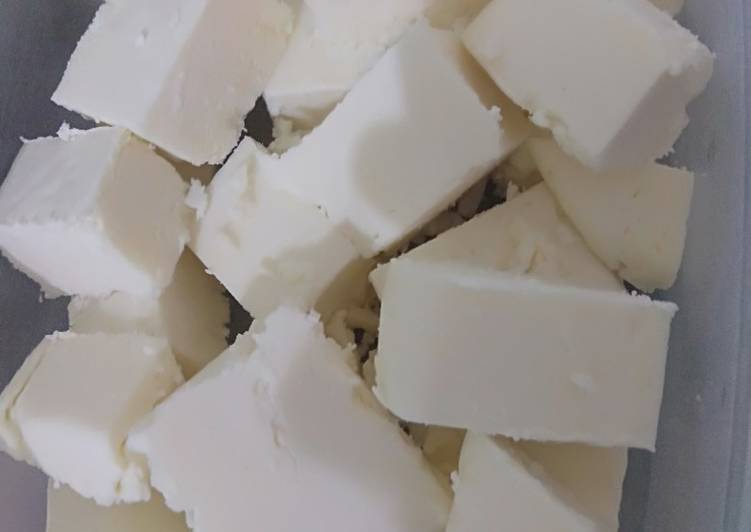 Recipe: Yummy Homemade Paneer (Cottage cheese)