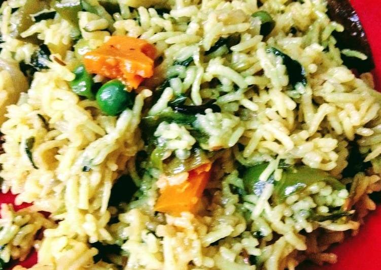 Steps to Make Any-night-of-the-week Pulao with methi leaves and Mix Vegs