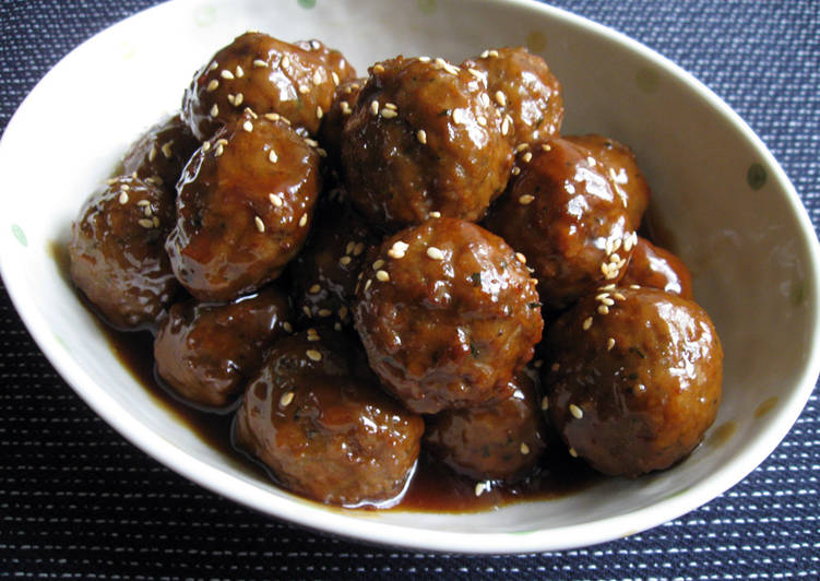 Super Quick Meatballs With Teriyaki Sauce