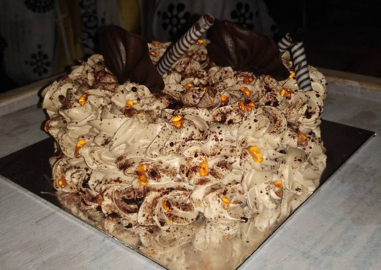 Magnificent Eggless Chocolate Flower Birthday Cake Recipe By Charmi Vala Cookpad Funny Birthday Cards Online Alyptdamsfinfo
