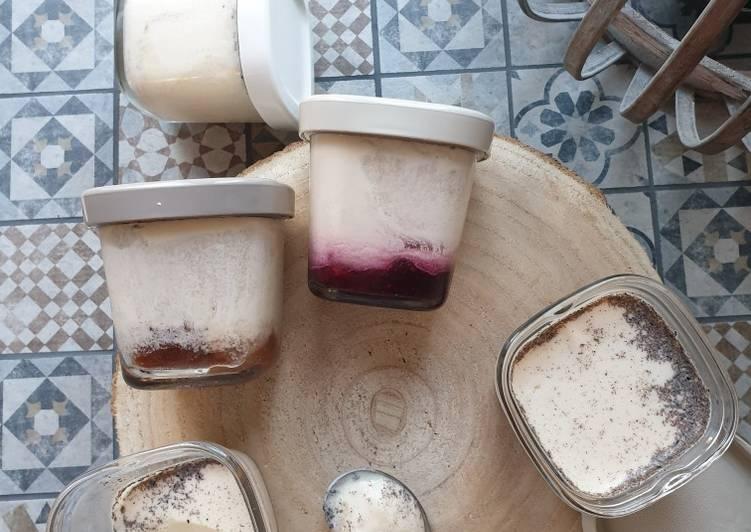 Yaourts vanille à la confiture