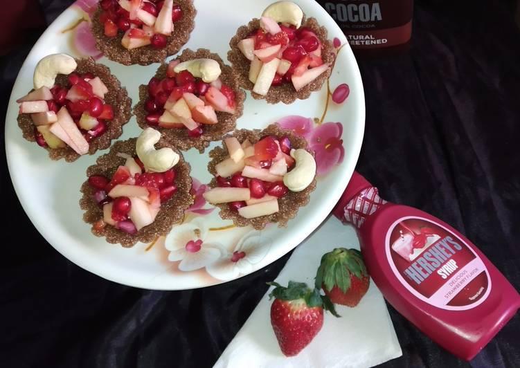 Fruity and chocolaty semolina halwa tart