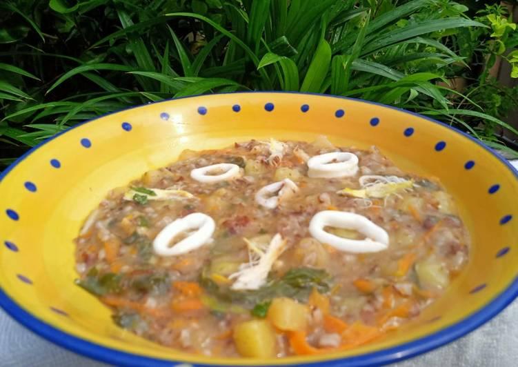Bubur Manado (nasi merah)