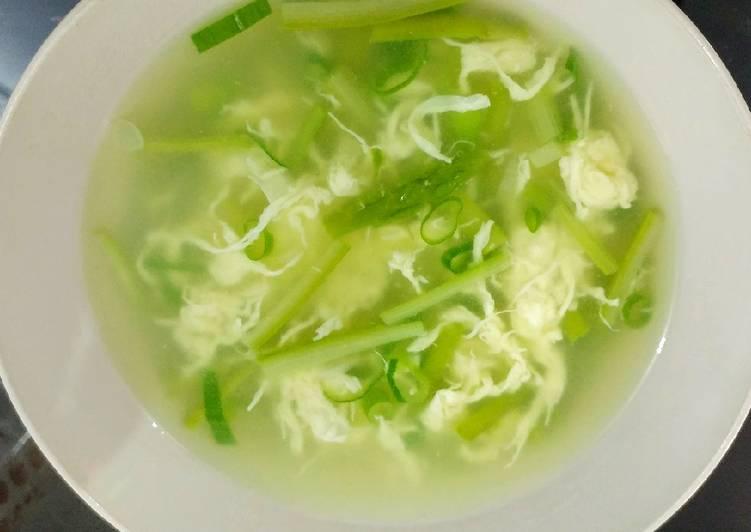 Sup asparagus telur sutra