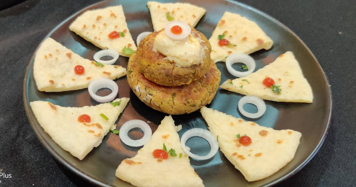 Falafel Hummus Pita Bread Recipe By Vrinda Idnani Cookpad