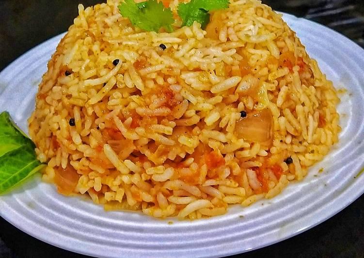 How to Prepare Homemade Tomato Rice
