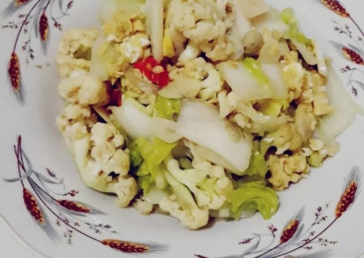 Oseng sawi putih kembang kol + telur orak arik