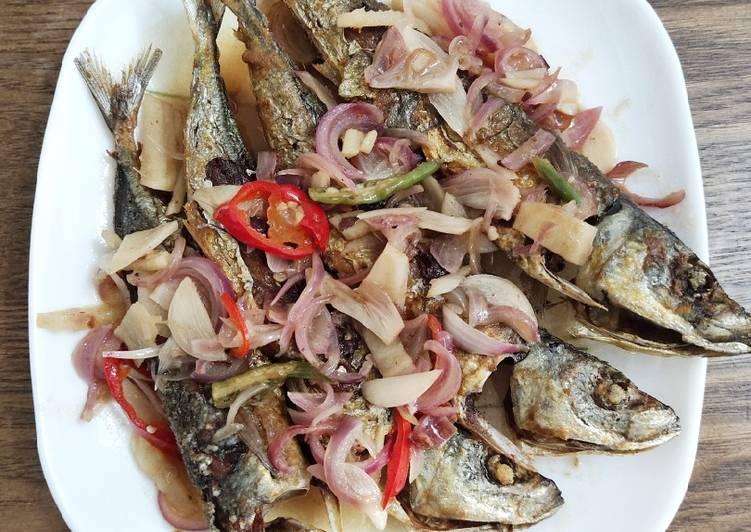 Ikan Goreng Kuah Asam