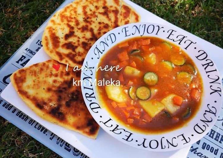 Vegetable soup with Naan bread