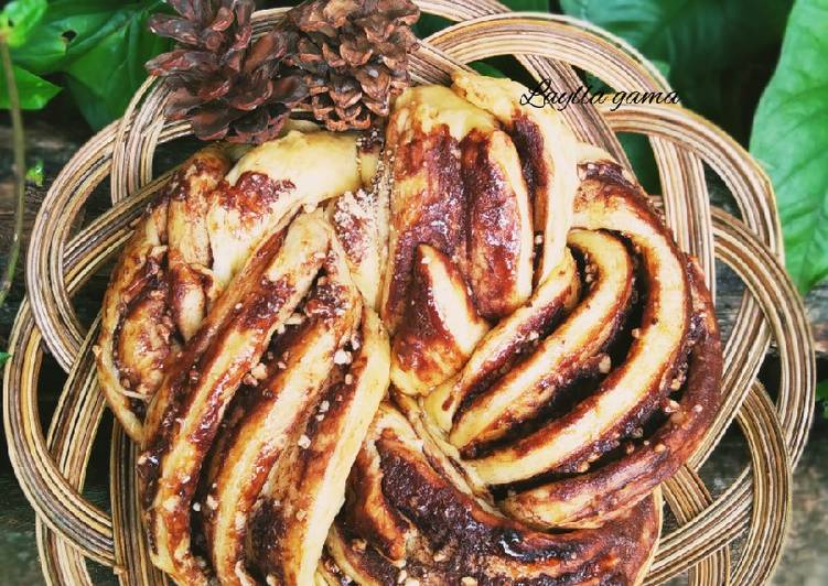 Chocolate peanut butter babka
