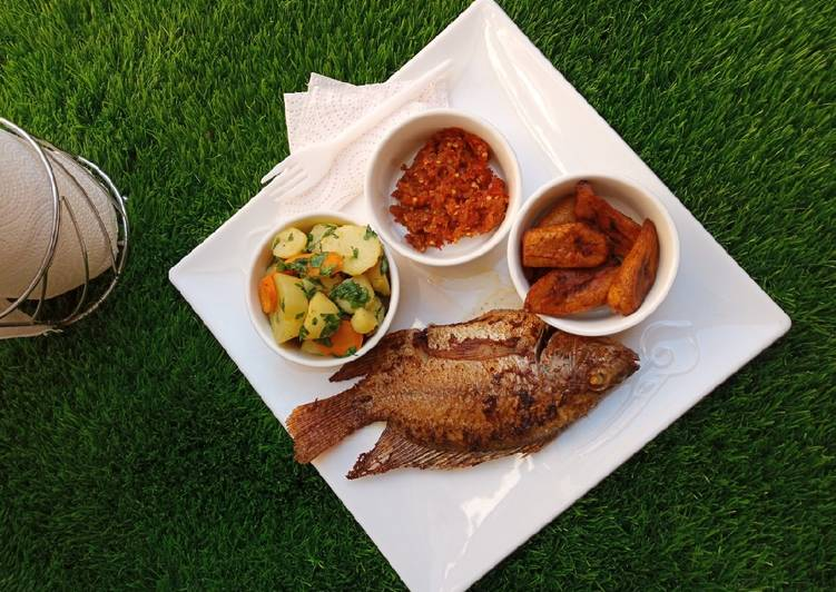 Dining 14 Superfoods Is A Good Way To Go Green And Be Healthy Grilled fish platter