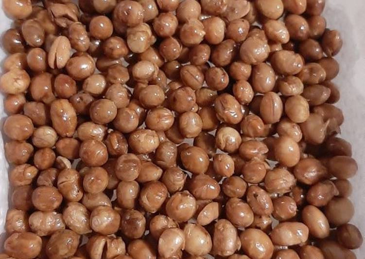 Kacang kedelai goreng garing tidak keras
