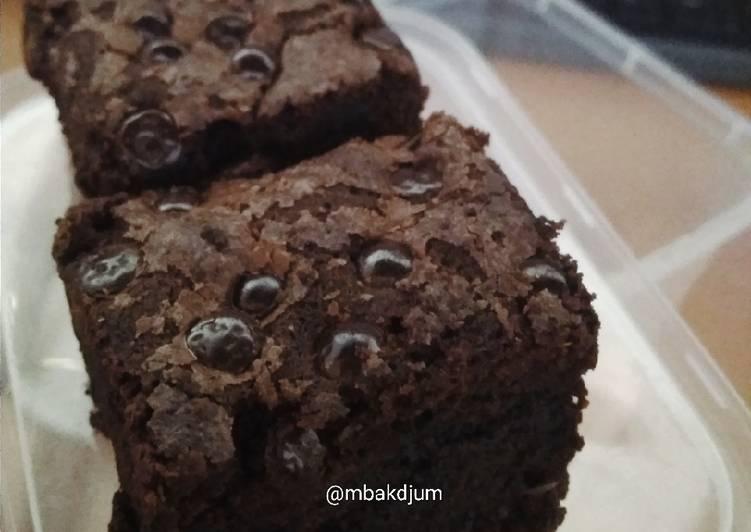 fudgy-shiny-crust-brownie