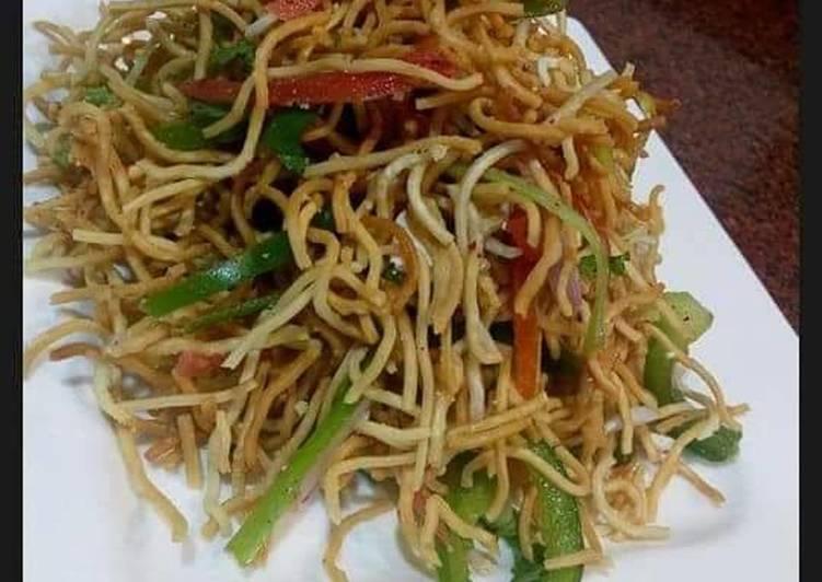Crisp noodle salad