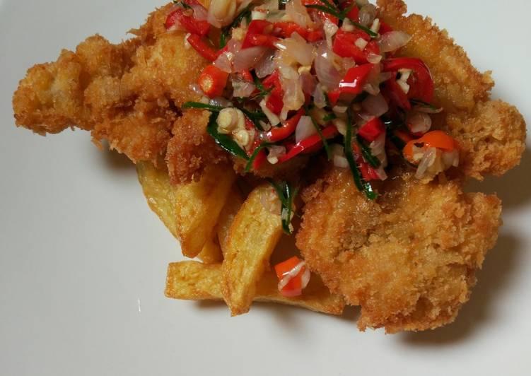 Resep Chicken Schnitzel Serve With French Fries Sambel Matah Oleh Yan S Kitchen Cookpad