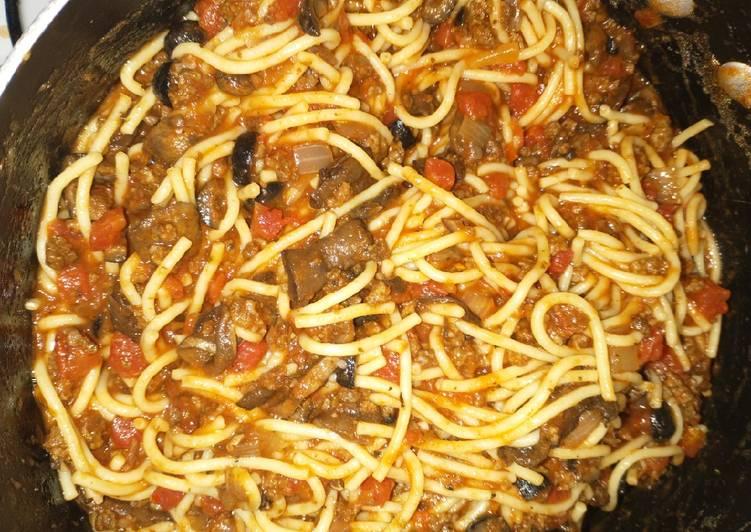 Old-fashioned styled Spaghetti