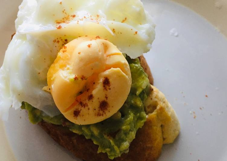 Seasoning to Make Avocado and poached egg on toast Favorite