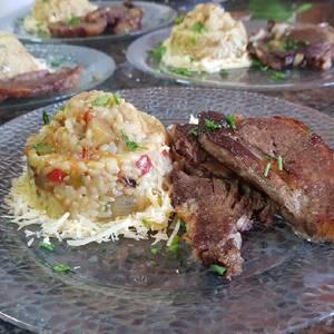 Risotto con arroz yamaní blanco e integral y salteado de vegetal