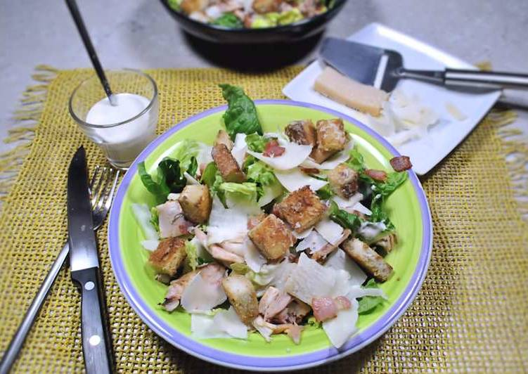 Easy Recipe: Tasty Classic Caesar salad