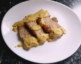 Lomo de cerdo con salsa mostaza