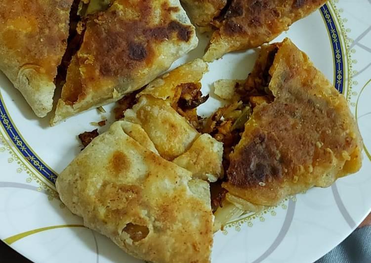 Mughlai chicken paratha