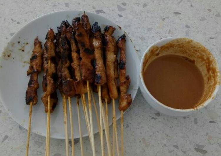 Chicken Satay (Sate Ayam) with Peanut Sauce