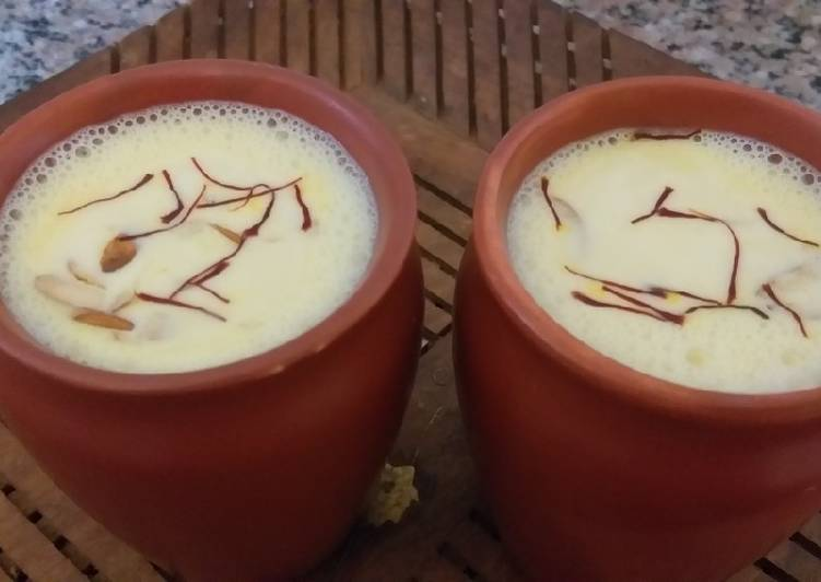 Golden immuno kesar milk shake