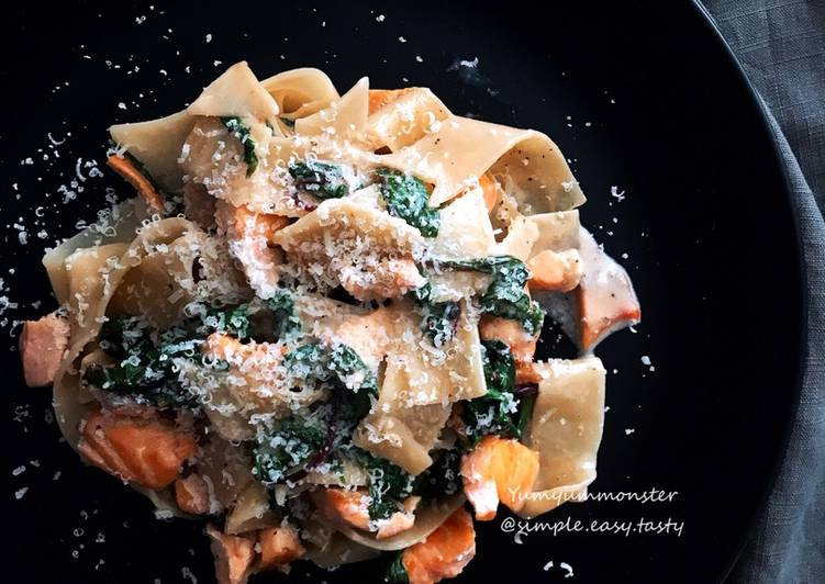 Steps to Make Quick Cream sauce salmon and spinach tangliolini