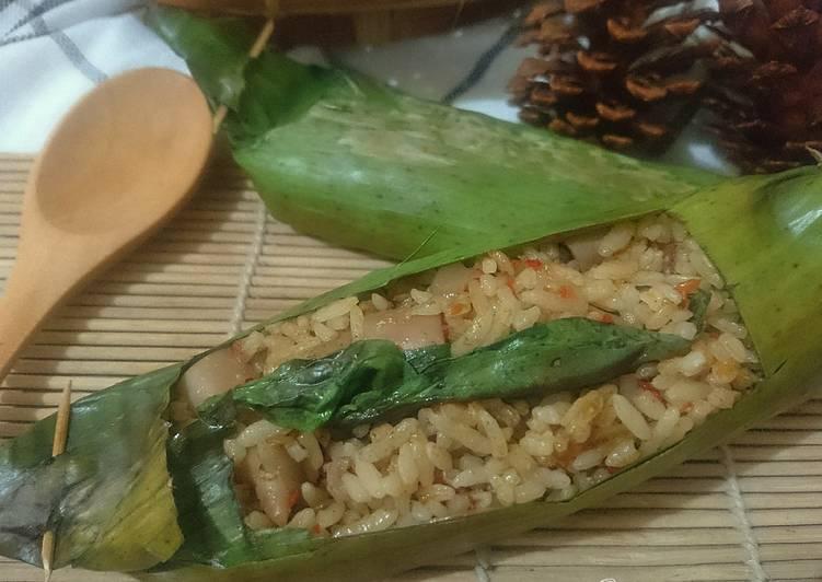 Cara Gampang Menyiapkan Nasi Bakar Cumi Asin Pedas , Menggugah Selera